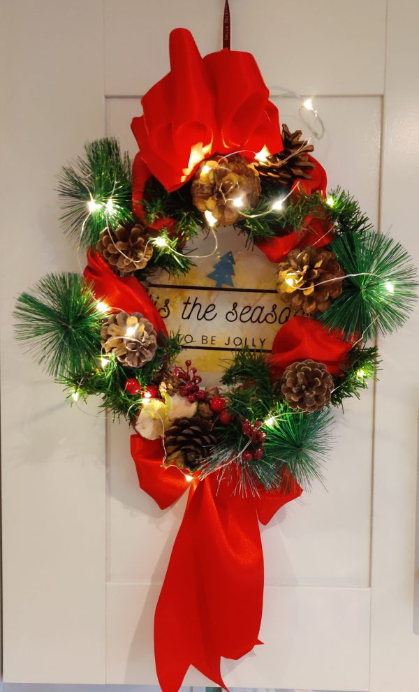 Traditional red and green wreath scaled