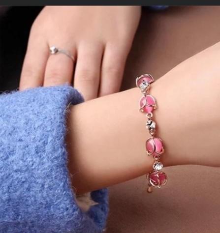 Pink pearls braclet