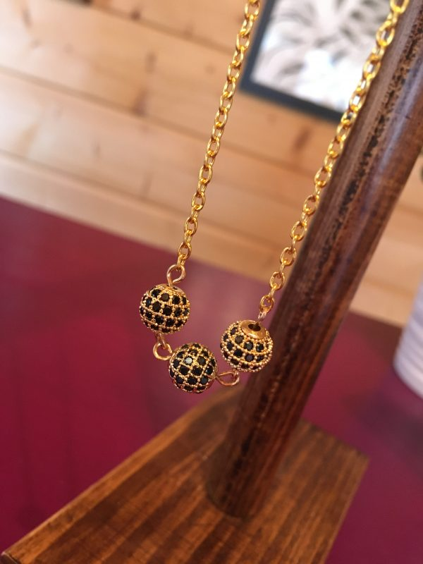 Golden Stars 3 Bead Necklace scaled